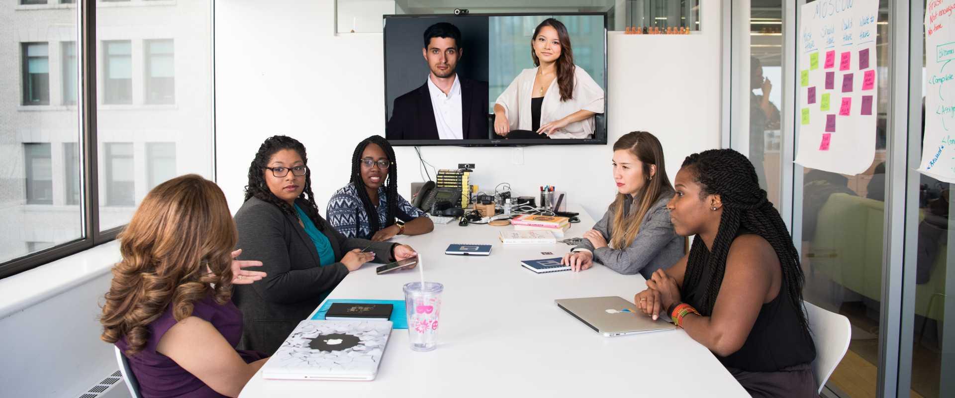 Das kleine 1×1 für Videokonferenz in Gruppen